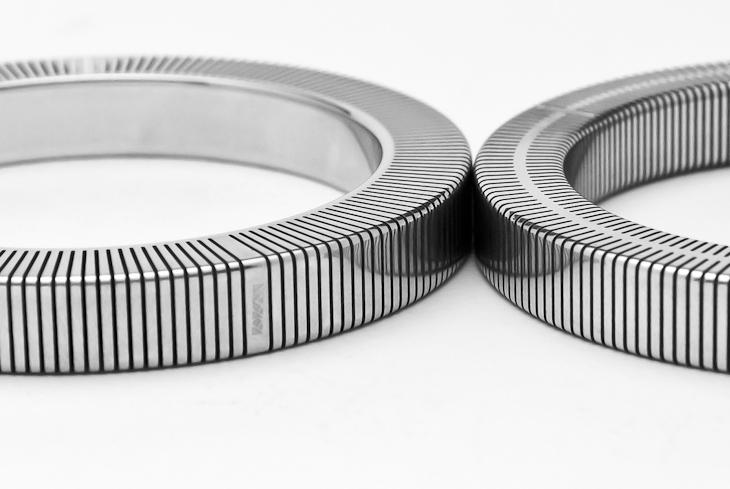 Bangle, aluminium